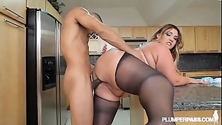 Heavy hot goods latina bbw wears stocking together with bonks give cookhouse