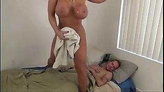 Hawt mummy help young gentleman - alura jenson