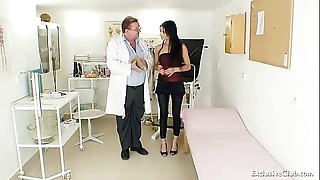 Lalin girl victoria in the best of health gyno third degree with reflector