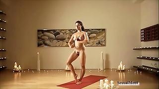 Naked curvy blackness does yoga
